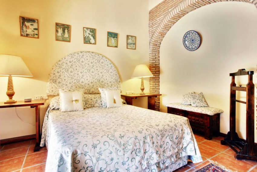 manilva-villa-buy-see-views-terace-garden-swimming-pool-bedroom-3 (2)