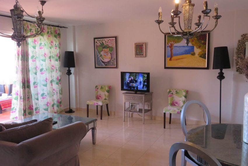 buy-2bedroom-apartment-duquesa-area-sea-views-manilva-living-room