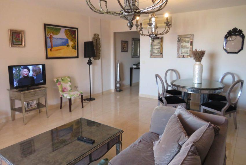 buy-2bedroom-apartment-duquesa-area-sea-views-manilva-lounge