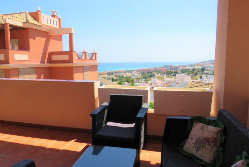 buy-2bedroom-apartment-duquesa-area-sea-views-manilva-terrace2