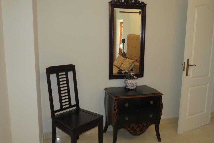 for-sale-apartament-duquesa-2-bedroom-2-bathroom-sea-views-swimming-pool-terrace-parking-leadog-paddle-main-bedroom (3)