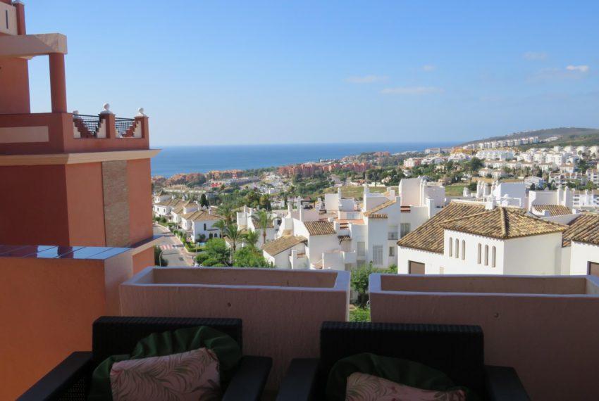 for-sale-apartament-duquesa-2-bedroom-2-bathroom-sea-views-swimming-pool-terrace-parking-leadog-paddle-terrace-views
