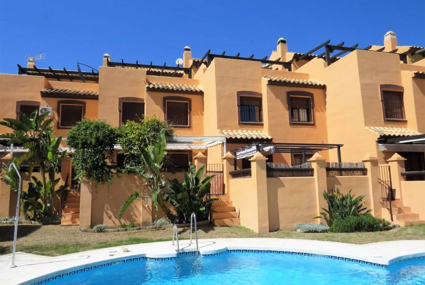 townhouse-buy-beach-side-3bedrooms-direct-access-pool-sea-views-casares-beach