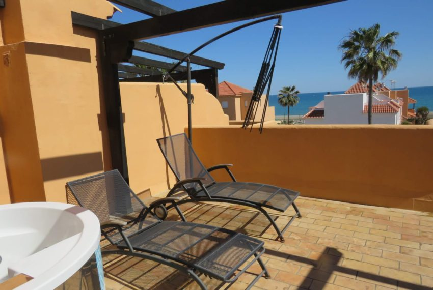 townhouse-buy-beach-side-3bedrooms-direct-access-pool-sea-views-casares-beach-sea-views-terrace