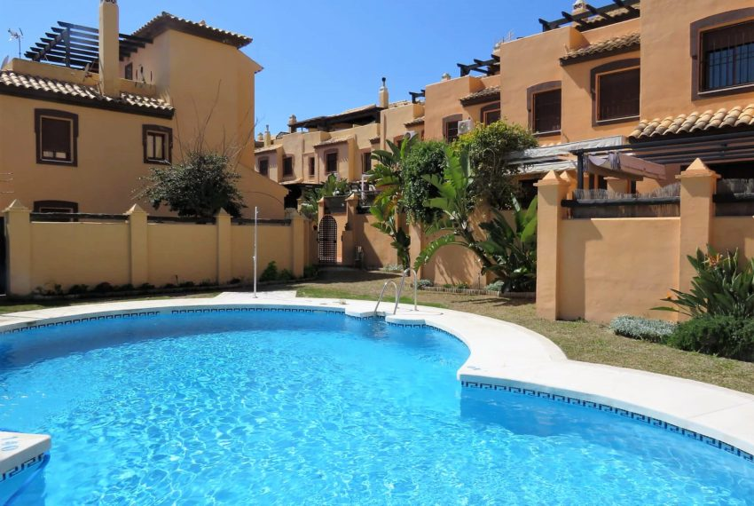 townhouse-buy-beach-side-3bedrooms-direct-access-pool-sea-views-casares-beach-swimming-pool