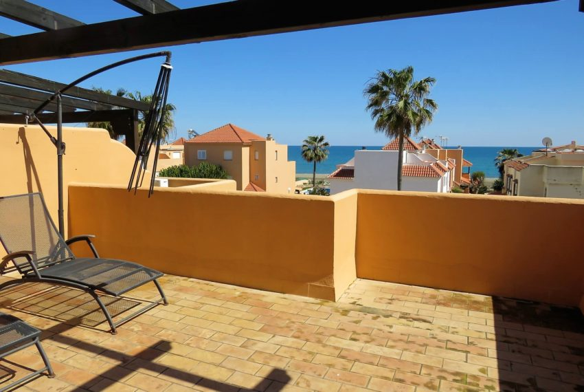 townhouse-buy-beach-side-3bedrooms-direct-access-pool-sea-views-casares-beach-top-terrace
