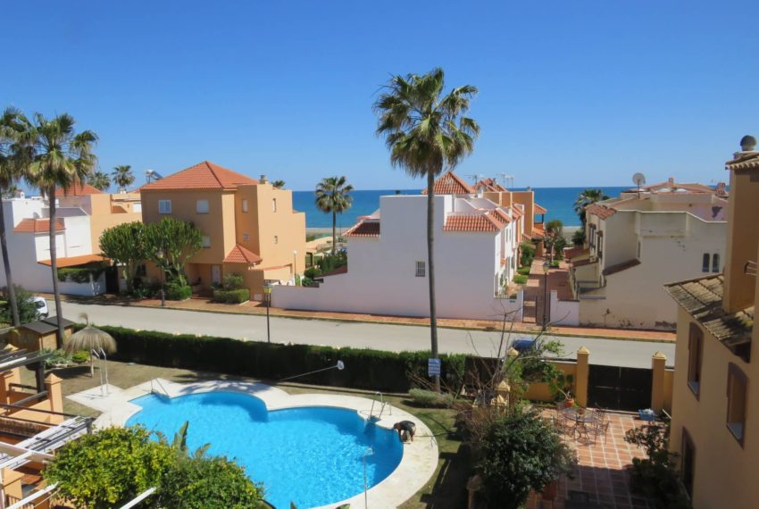 townhouse-buy-beach-side-3bedrooms-direct-access-pool-sea-views-casares-beach-views