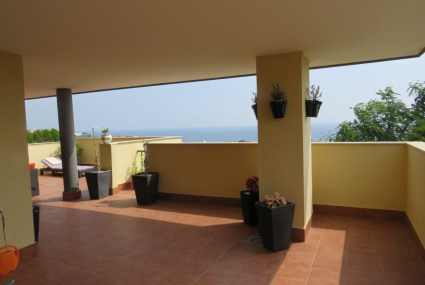 3bedrooms-apartment-sea-views-big-terrace-buy-doña-julia-casares-coast-south-west-orientation-corner