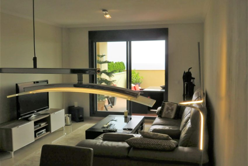 3bedrooms-apartment-sea-views-big-terrace-buy-doña-julia-casares-coast-south-west-orientation-lounge